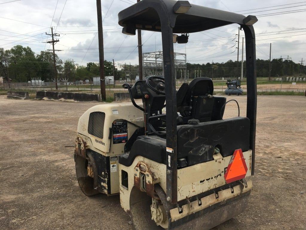 Terra Compactor Wheels : Online auction viper portable screen excavators